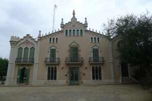 Façana principal de Can Ginestar.