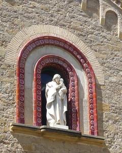 Imatge de Sant Josep a la façana del molí.