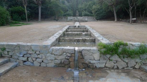 Làmines d'aigua a la zona històrica.