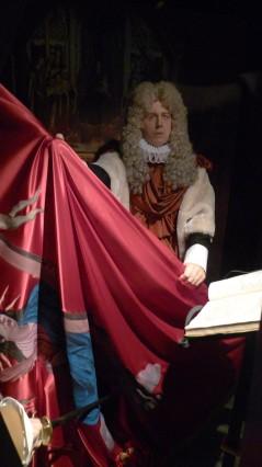 Escenificació de Rafael de Casanova amb el penó de Santa Eulàlia.