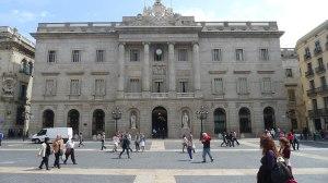 Façana principal de l'Ajuntament.