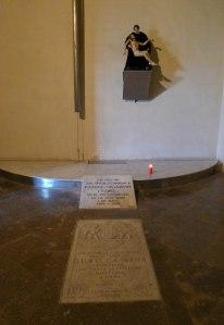 Tomba de Rafael Casanova a l'església de Sant Baldiri.