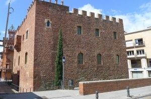 Façana posterior de la Torre del Baró.