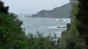 Vista de la costa des de la plaça deles Sirenes.
