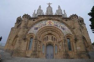Façana del temple.
