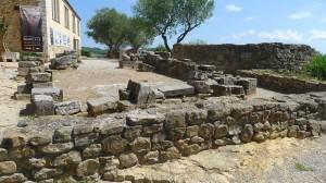 Cim del puig amb el museu i les restes del castell.