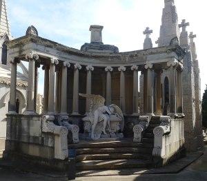 Panteó August Urrutia.
