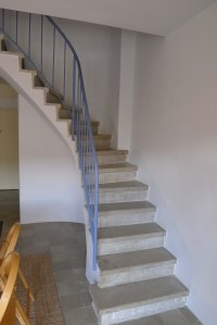Escala d'accès al segon pis.