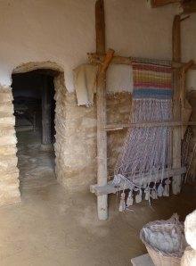 Interior d'habitatge amb teler.