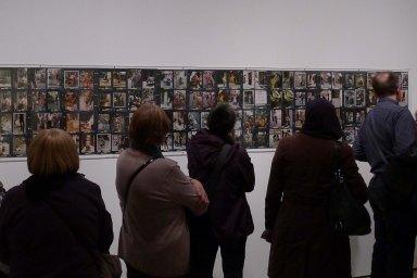 Visitans a l'exposició. Foto JAF.