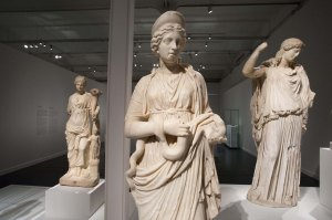 La mitologia es un dels àmbits de l'exposició.