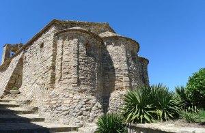 Capçalera de Santa Maria amb arquacions llombardes.