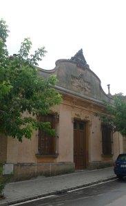 Casa Pujol al carrer Josep Anselm Clavé.
