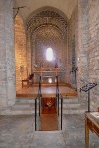 Absis lateral i cripta.