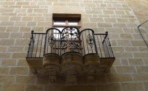 Balcó al carrer de Maella.