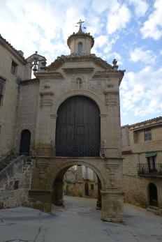 Capella-portal de la Mare de Déu del Pilar.