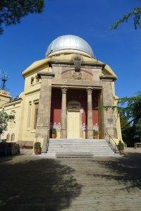 Façana principal de l'observatori.