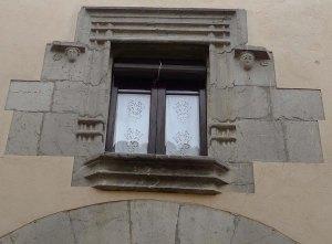Finestra gotica al carrer Major.