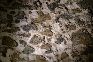 Detall d'una paret amb sal incrustada.