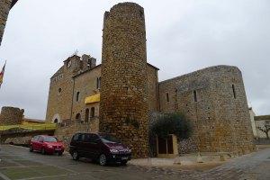 Torre i absis de la capella del castell.