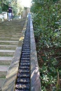 Detall d'una barana de les escales del Generalife.