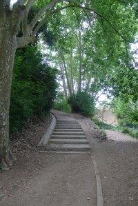 Escales d'accès al pantà.