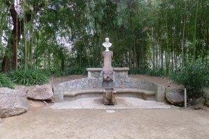 La font d'Hèrcules, d'Antoni Gaudí.
