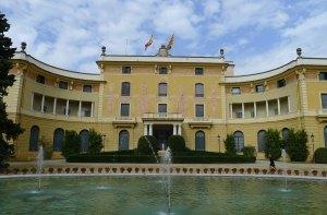 Façana principal del palau de Pedralbes.