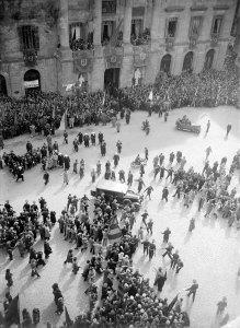 Arribada de Companys i consellers presos pels Fets d´Octubre de 1934, març 1936. AFB. Pérez de Rozas.