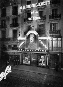 Façana d´un edifici al carrer Gran de Gràcia, 1940. AFB. Pérez de Rozas.