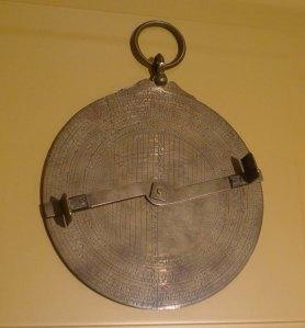 Astrolabi universal. Bejaïa (Algèria) 1252. Reial Acadèmia de Ciències i Arts Barcelona.