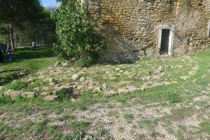 Bassament de la torre original.