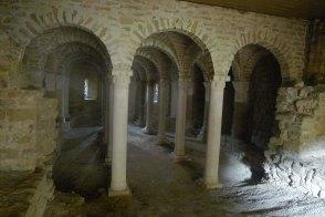 Cripta feta a la nau central de Santa Maria la Vella.
