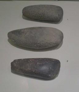 Destrals de pedra polida del Neolític.