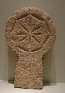 Estela discoïdal del segle XIII.