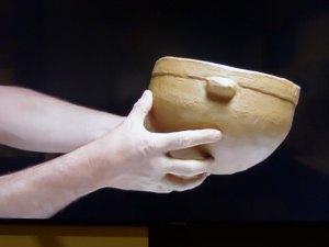 Imatge del vídeo d'elaboració de ceràmica.