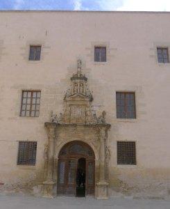 Façana del col·legi de Sant Jaume i Sant Maties.