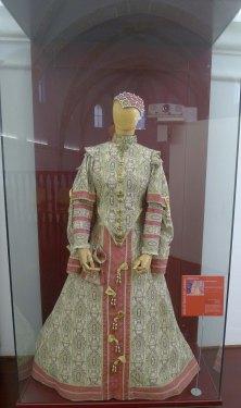 Reproducció de vestit femení.