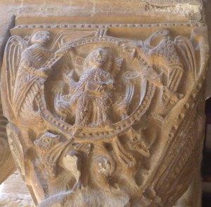 Capitell amb Crist en majestat i el tetramorf.